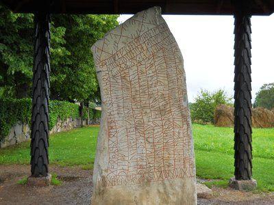Un monument viking, vechi de 1200 de ani, conţine o avertizare teribilă! Despre ce este vorba