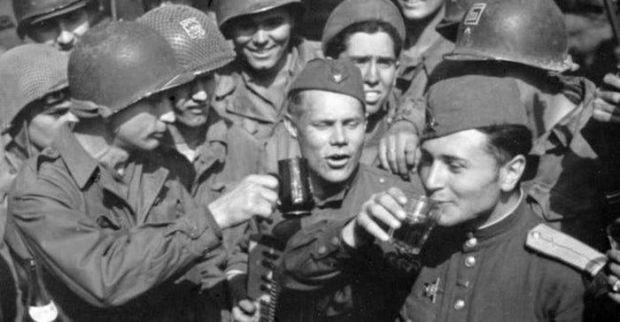 Cea mai mare beție din istorie! Ziua în care rușii au băut toate rezervele de vodcă