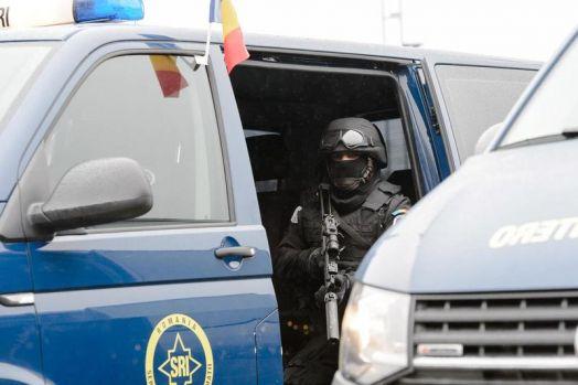 București. Un bărbat a amenințat că își aruncă mașina în aer într-o benzinărie de pe bulevardul Corneliu Coposu