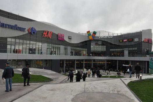 București. Alertă cu bombă la Veranda Mall! Oamenii sunt evacuați