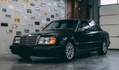 Mercedes-ul 300E din imagine este unic în lume! Care este motivul
