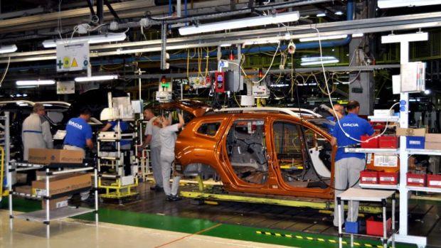 dacia, productie masini, fabrica, mioveni, reluare productie, mai